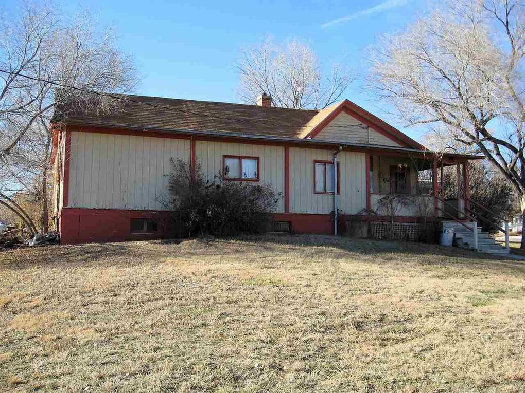 342 N 19th St, Hot Springs, SD 57747