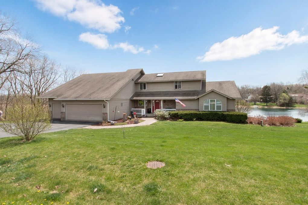 235 Hawthorn Dr, Twin Lakes, WI 53181