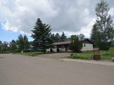 Photo of 527 8th Ave S, Shelby, MT 59474