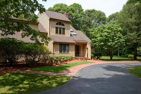 60 Smoke Valley Rd, Osterville, MA 02655