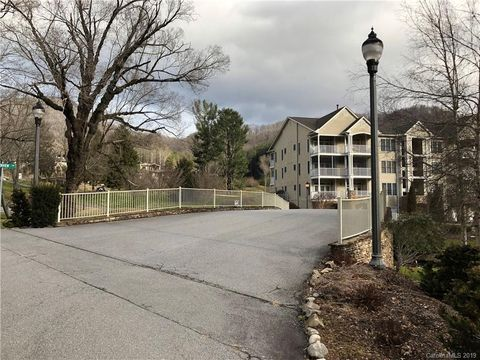 Photo of 65 Glenview Ln Unit No3033, Maggie Valley, NC 28751