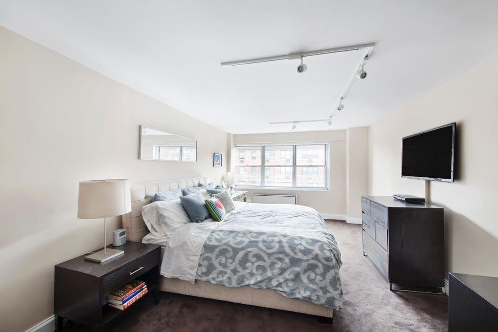 70 E 10th St Apt 12 P, New York, NY 10003