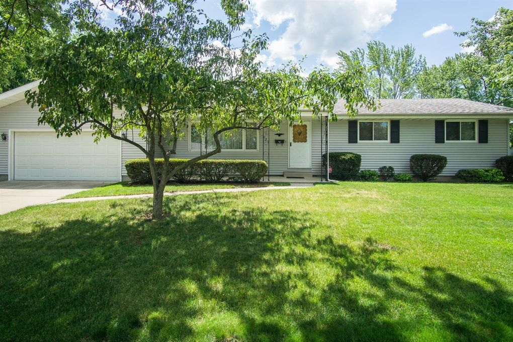 427 Fairview Ave Crown Point IN 46307