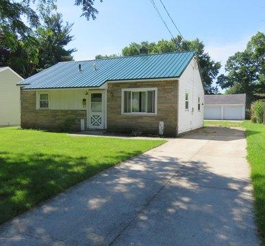 1439 Owens Ave, Lansing, MI 48915