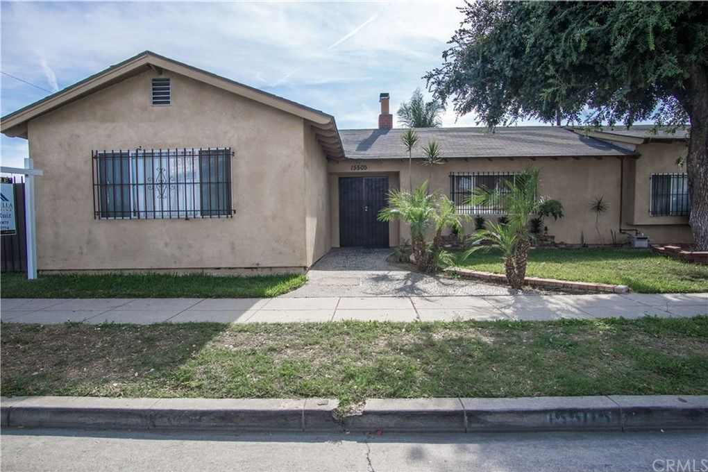 15505 S Gibson Ave Compton, CA 90221