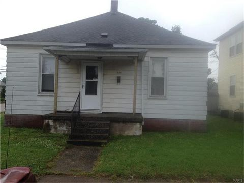 104 W Penning Ave, Wood River, IL 62095