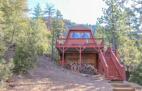 Photo of 1320 Woodland Dr, Pine Mountain Club, CA 93222