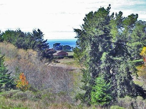 Photo of 15971 Forest View Rd, Irish Beach, CA 95459