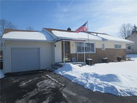553 S Mercer Ave, Hermitage, PA 16148
