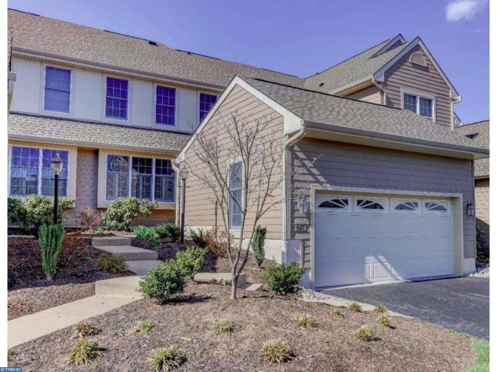 427 Homestead Dr, West Chester, PA 19382