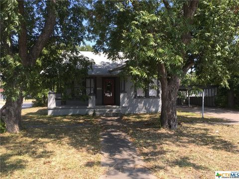 1303 S 9th St, Temple, TX 76504