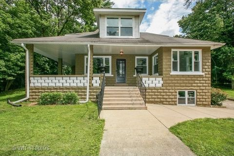 507 Lincoln Ave, Fox River Grove, IL 60021