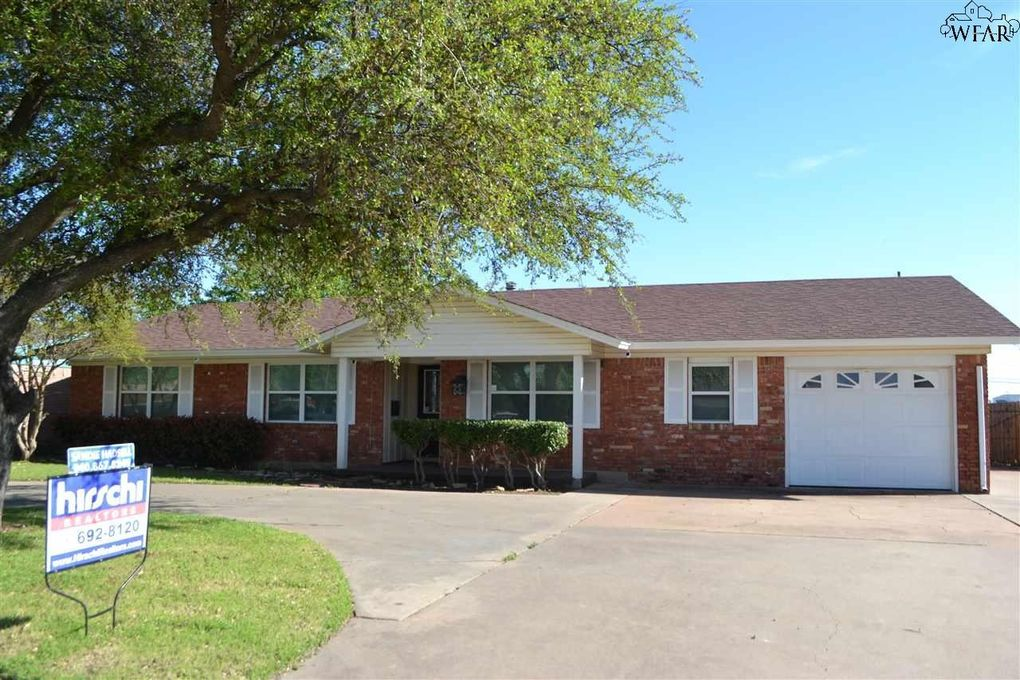 1717 Southwest Pkwy, Wichita Falls, TX 76302