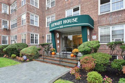 366 Stewart Ave Apt C7, Garden City, NY 11530