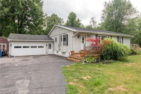 2529 Dodge Rd, East Amherst, NY 14051