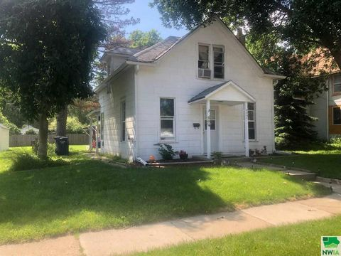 Photo of 4341 Harrison St, Sioux City, IA 51108