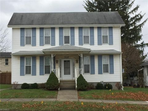 Photo of 176 Main St Nw, Lore City, OH 43755