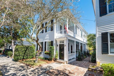 Photo of 18 Council St, Charleston, SC 29401