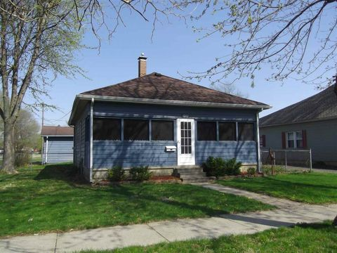 Photo of 1047 N 9th St, Clinton, IN 47842
