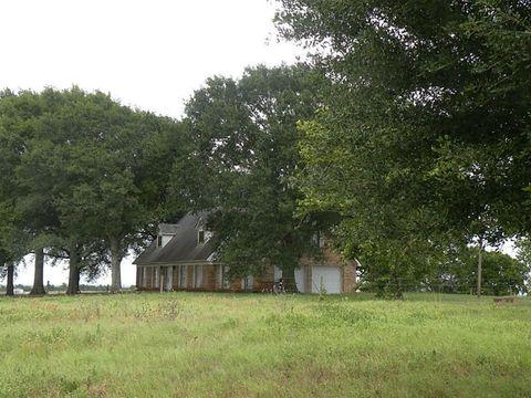 Photo of 7392 Theldick, Bleiblerville, TX 78931