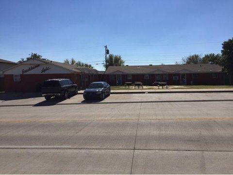 518 W Davis Ave, Weatherford, OK 73096