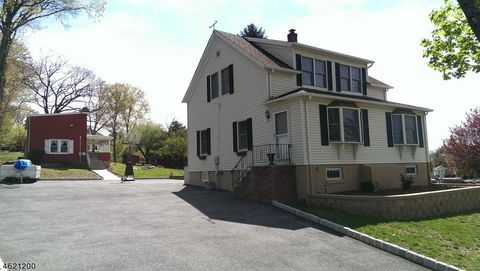 428 Manchester Ave, North Haledon, NJ 07508