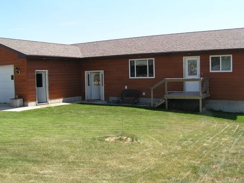 Photo of 407 Campbell St, Winifred, MT 59489