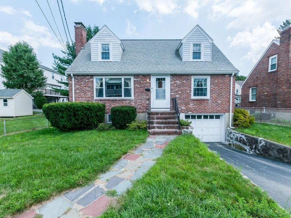 19 Hovey St, Watertown, MA 02472
