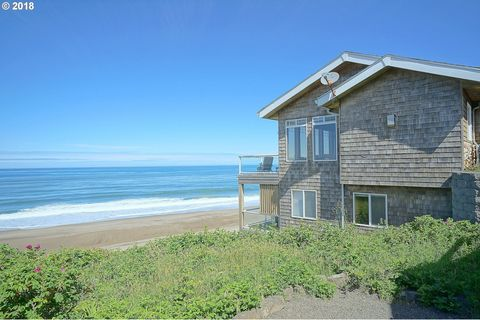 Surprising Waterfront Homes For Sale In Depoe Bay Or Realtor Com Home Interior And Landscaping Eliaenasavecom