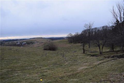 Photo of Land Mount Rd E, Upper Tyrone Township, PA 15425
