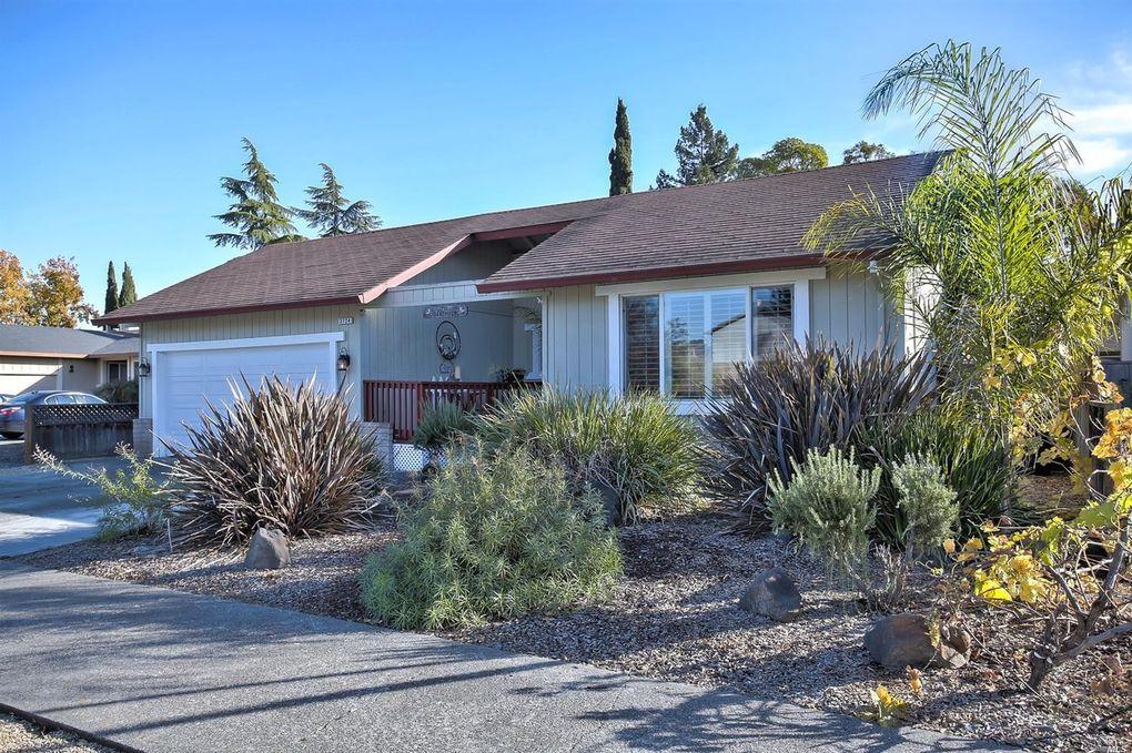 3724 Hoen Ave, Santa Rosa, CA 95405
