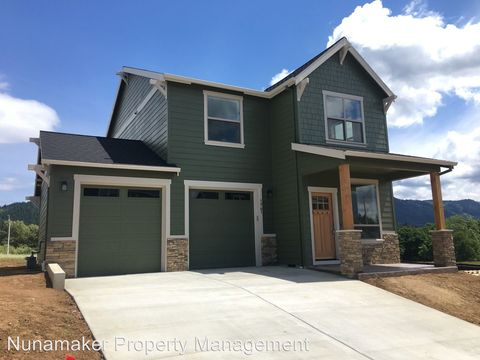 Photo of 1741 3rd St, Hood River, OR 97031