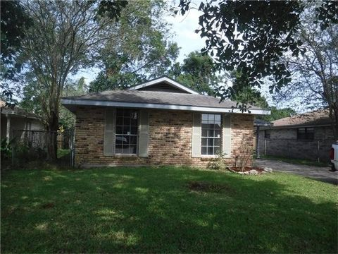 5448 Faith Dr, Marrero, LA 70072
