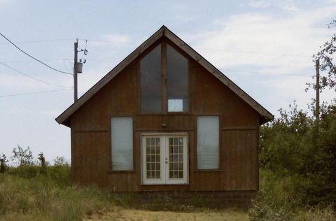 42 Lodge Rd, Spur, TX 79370