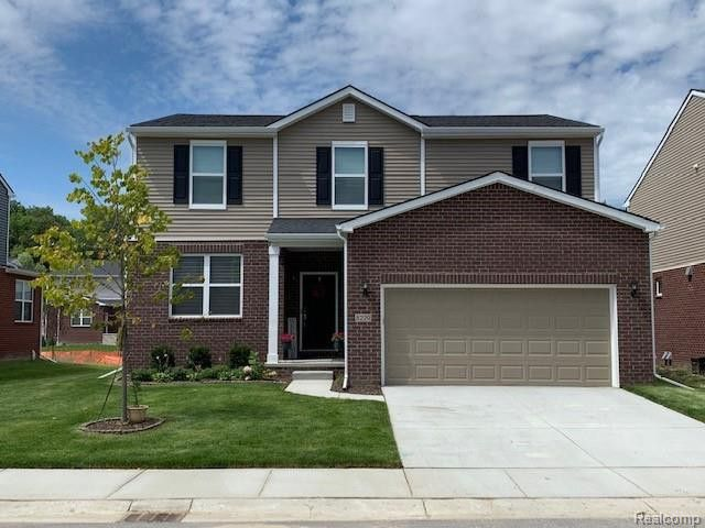 51334 Mayfield Dr, Chesterfield Township, MI 48047