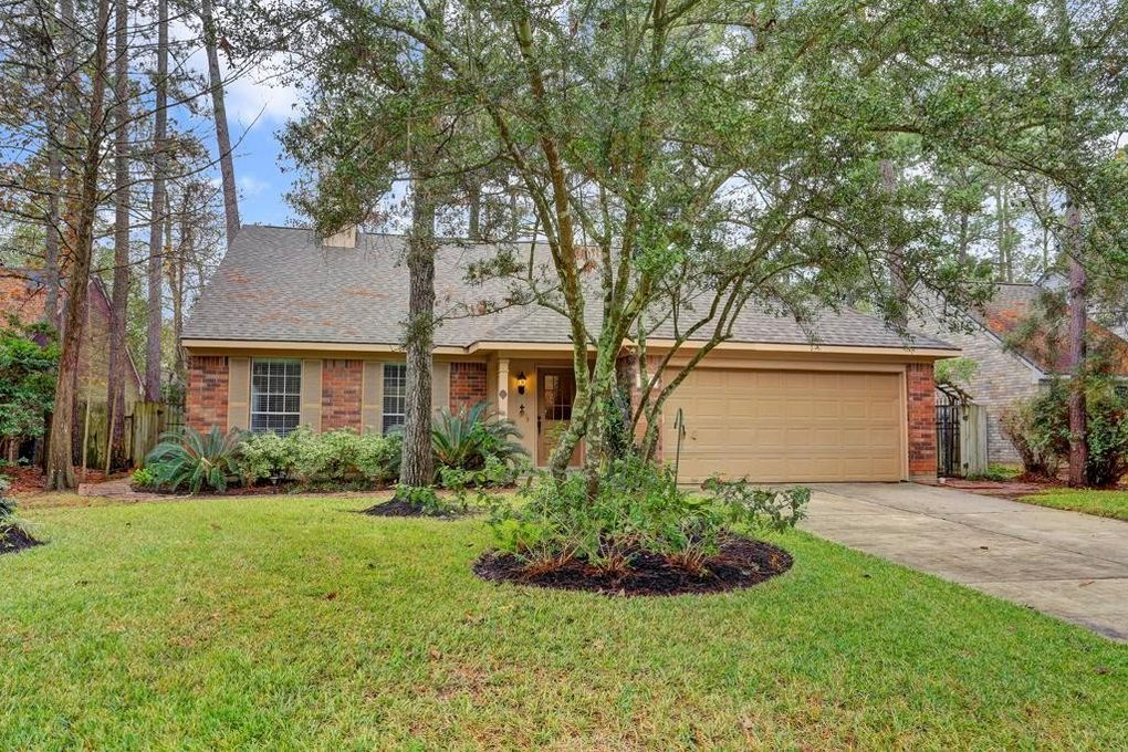 27 Lush Meadow Pl, The Woodlands, TX 77381