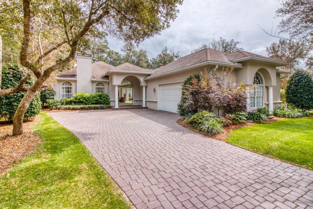 894 Coldwater Creek Cir, Niceville, FL 32578