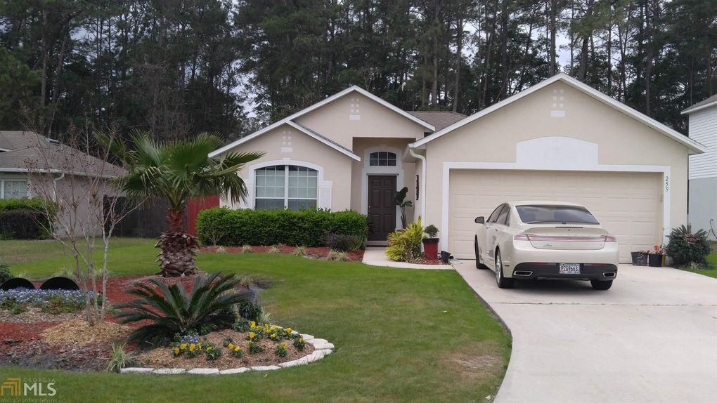 259 Pine Bluff Dr, Kingsland, GA 31548