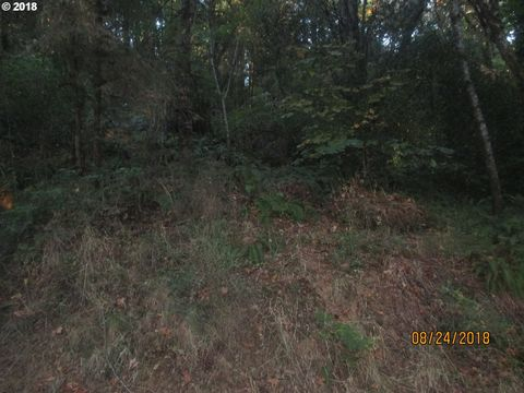 Photo of 280 Schad Rd, Elkton, OR 97436