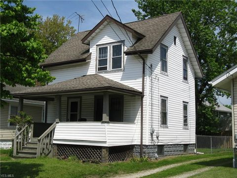 Photo of 1305 Kentucky Ave, Akron, OH 44314