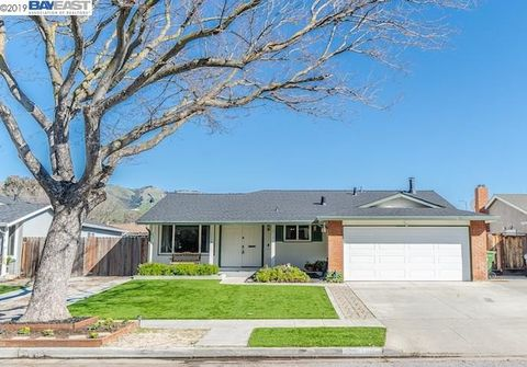 Photo of 2818 Pendleton Dr, San Jose, CA 95148