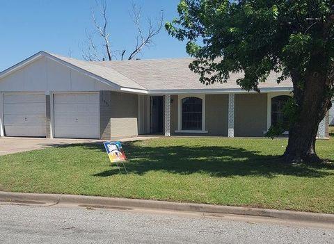 1307 Danberry St, Burkburnett, TX 76354