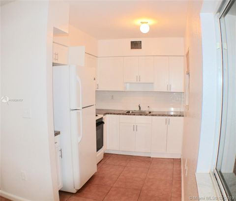 Photo of 170 Sw 11th Ave Apt 10, Hallandale, FL 33009