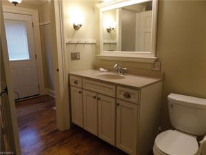 12467 Osborne Ave Ne, Alliance, OH 44601   Bathroom