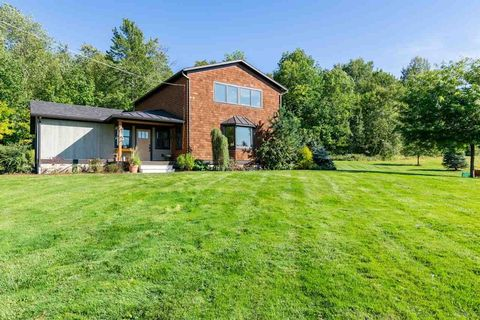 Photo of 8 Downes Rd, Underhill, VT 05489