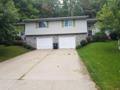 1320/1322 Country Side Dr, Newark, OH 43055