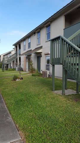 Photo of 302 Saint Andrews St Apt 102 F, Rockport, TX 78382