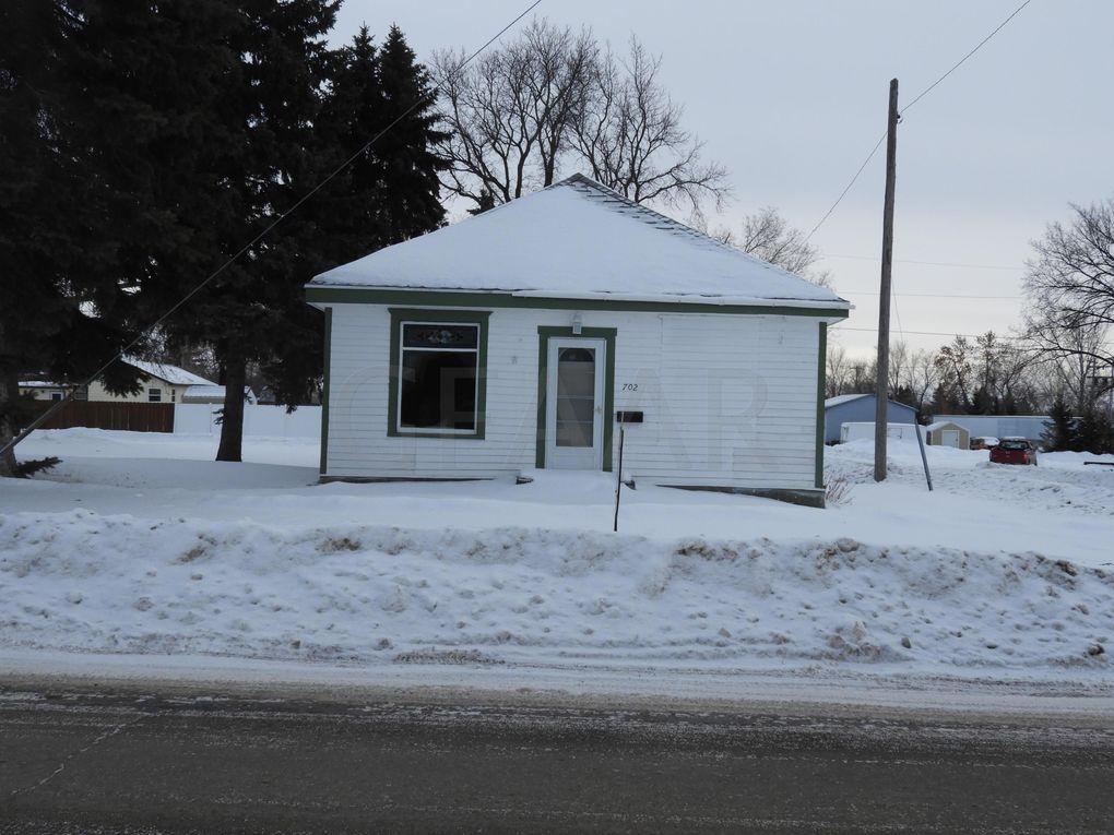 Devils Lake Nd >> 702 1st St Ne Devils Lake Nd 58301