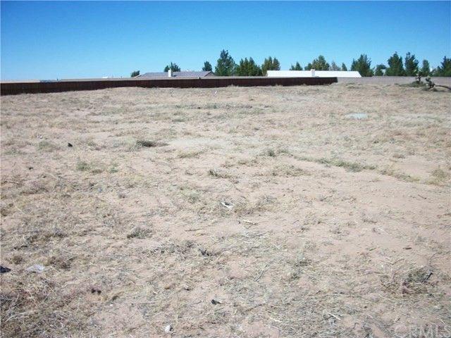 Desert Breezel Ln, Apple Valley, CA 92308