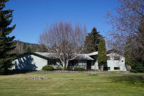 Photo of 650 W Valley Dr, Kalispell, MT 59901